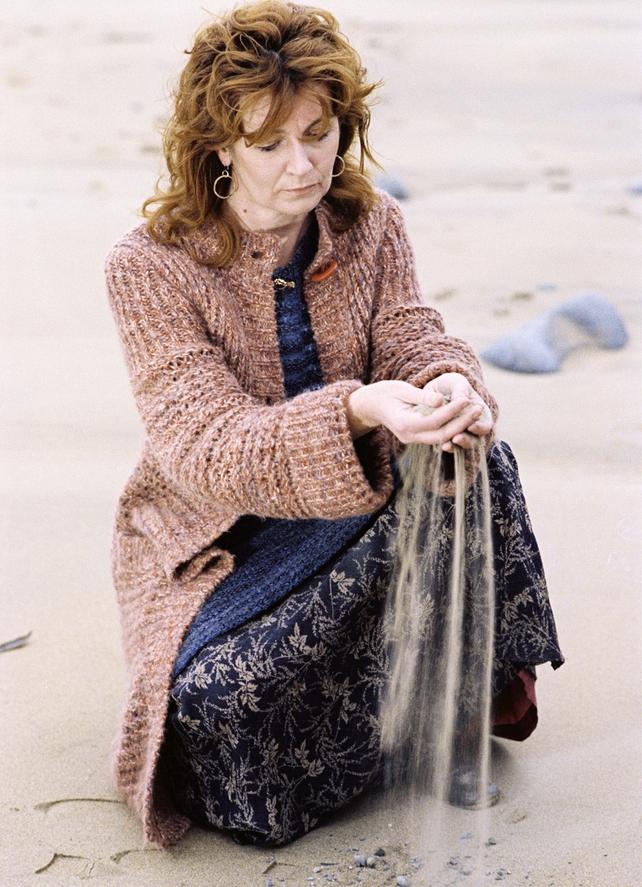 Edna O'Brien (1975)