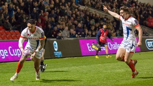 Denny Solomona goes over for Sale's second try