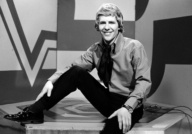 Seán Bán Breathnach in RTÉ Television's Studio 2 during the recording of the television series 'Imeall' in late 1969.