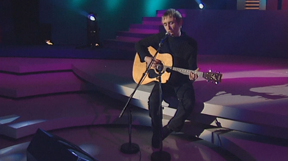 Neil Hannon performing on 'Kenny Live' (1999)