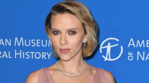 Scarlett Johansson; make like a tree