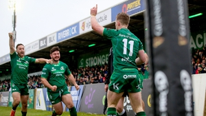 Healy celebrates after scoring Connacht's last try