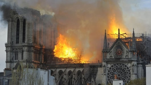 Blaze at iconic Paris cathedral