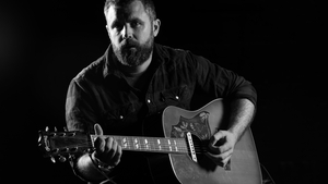 Mick Flannery debuts at Number 1