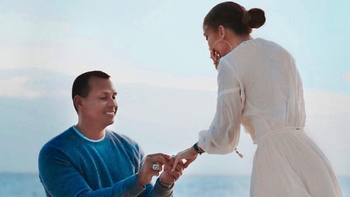 Alex Rodriguez proposed to this person before Jennifer Lopez