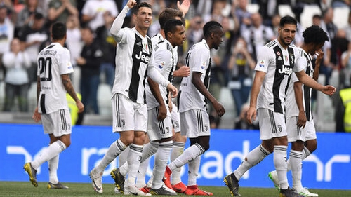 Juventus win eighth successive Serie A title