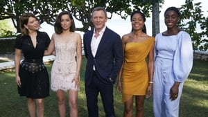 (L-R) Léa Seydoux, Ana de Armas, Daniel Craig, Naomie Harris and Lashana Lynch at the launch at Ian Fleming's home GoldenEye in Montego Bay, Jamaica