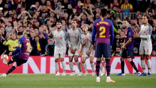 Lionel Messi scores Barcelona's third