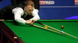 Judd Trump won four frames in a row to reach the semis