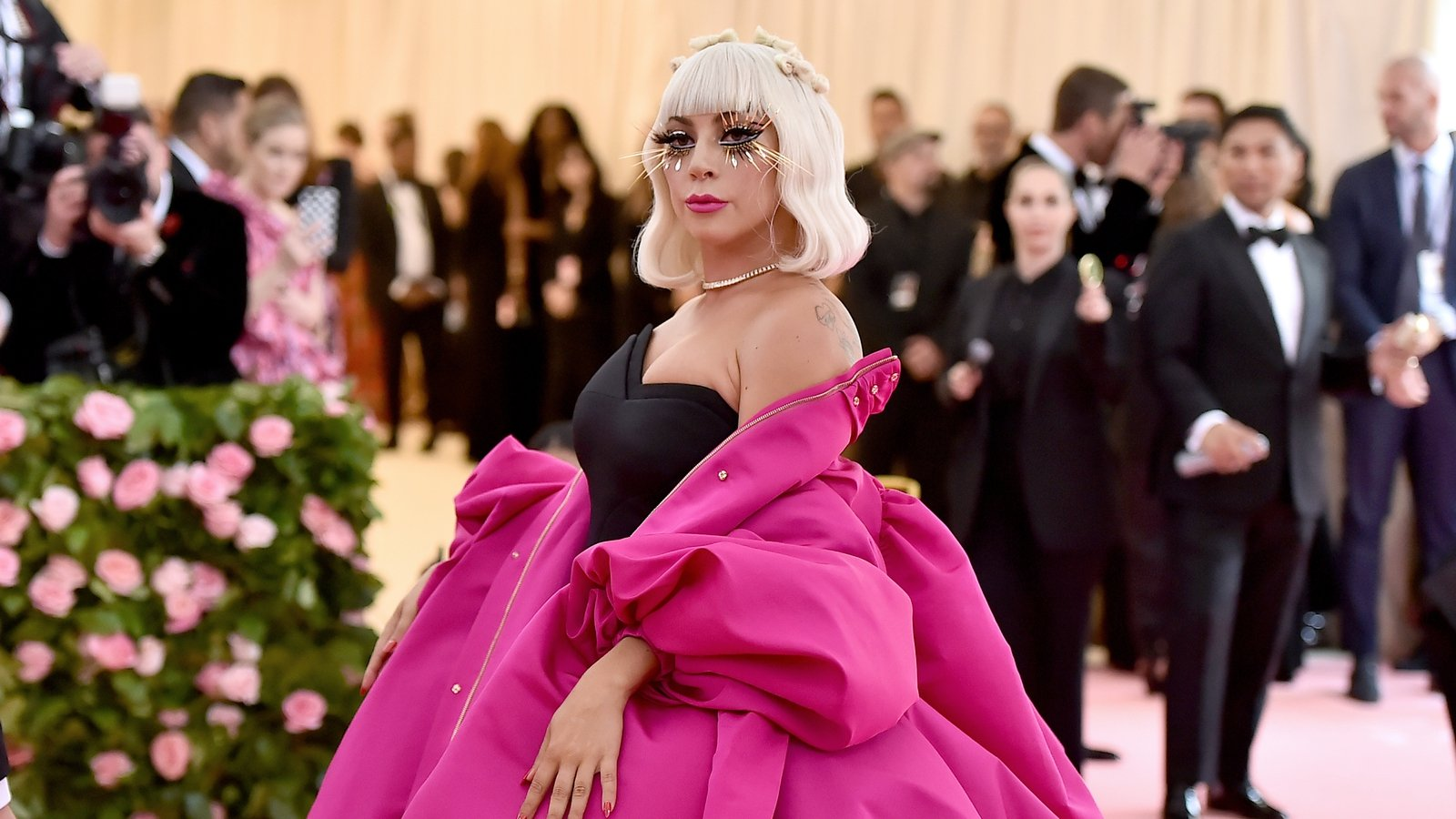 Met Gala 2019 Red Carpet All The Celebrity Dresses And Looks