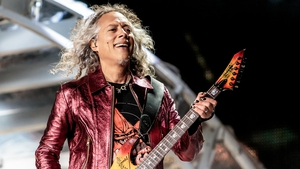 """Kirk Hammett onstage in Milan - """"It rained so much I felt like I was playing guitar in the shower"""""""