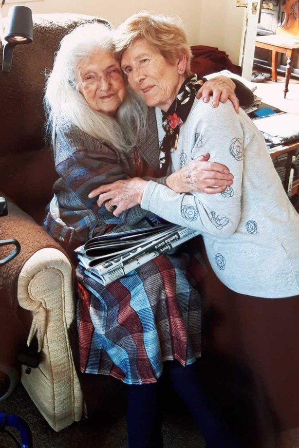 Please find aphoto of Elizabeth and Eileen meeting for the first time attached.