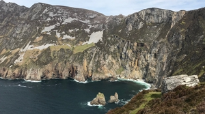 160,000 people visit Sliabh Liag each year