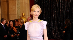 Cate is a master of red carpet dressing, pairing the feminine with the dramatic.