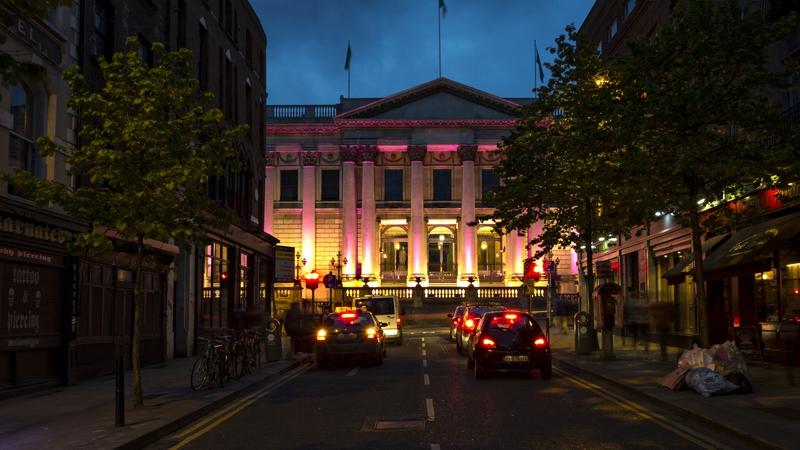 Dublin City Hall at night. Photo: Mayall/ullstein bild via Getty Images