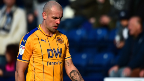 Darron Gibson i son the hunt for a new club