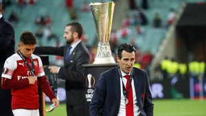 Unai Emery (R) after Arsenal's Europa League final defeat