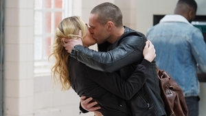 Louise races to be with Keanu on EastEnders