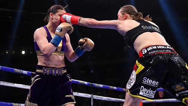 Katie Taylor retains her lightweight titles against Delfine Persoon