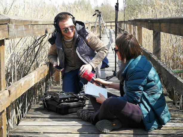 Recording a Dawn Chorus preview segment for Mooney Goes Wild at Lake Žuvintas (photo: Twitter / Vaida Pilibaityte)