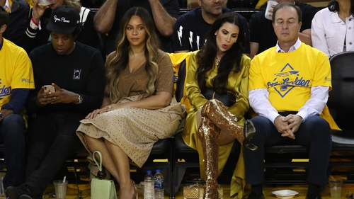 Jay-Z, Beyoncé, Nicole Curran and Joe Jacob at a basketball game on June 5