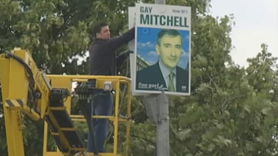 Removal of Fine Gael European election poster,Dublin (2004)