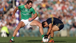 Ireland's Michael Murphy and Eddie Betts of Australia compete for the ball in 2017