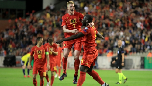 Kevin De Bruyne (7) and Romelu Lukaku celebrate