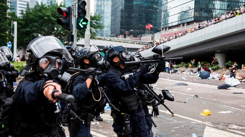 Police fire rubber bullets and tear gas towards protesers