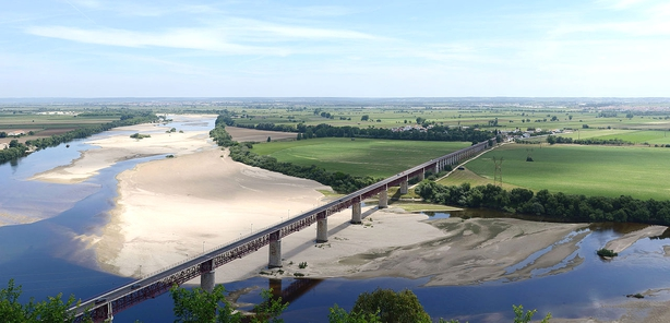 View of the Tagus River from Portas do Sol, Santarém (photo - Joaquim Alves Gaspar, Wikipedia)