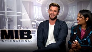 "Chris Hemsworth with Men in Black: International co-star Tessa Thompson - ""I'd rather just go, 'Alright! I'm an idiot!'"""
