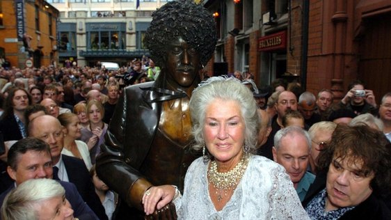 Philomena Lynott and the Phil Lynott Statue (2005)
