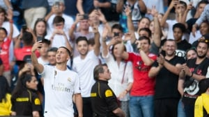 Eden Hazard takes a selfie with the Real Madrid fans
