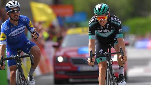 Julian Alaphilippe, left, beat Gregor Mühlberger in a sprint finish