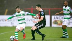 Jack Byrne holds off Kevin Devaney