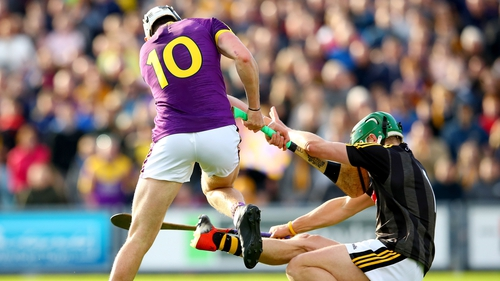 Kilkenny goalkeeper Eoin Murphy tackles Rory O'Connor of Wexford