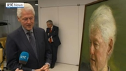 Web video: Bill Clinton moved by portrait painted by Irish artist