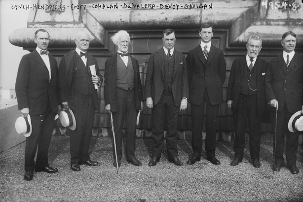 Century Ireland 155 - Diarmuid Lynch, Hendricks, John W. Goff, Daniel Florence Cohalan, Eamon de Valera, John Devoy and Gavigan at the Waldorf Astoria, New York City Photo: Library of Congress