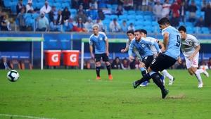 Luis Suarez scores from the spot