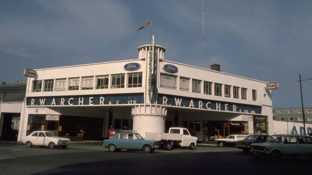 Archer's Garage (1976)