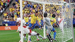 Casemiro scores Brazil's first goal against Peru