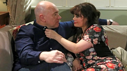 Paul and Fiona set a trap for Jane on Fair City