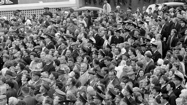 Crowds await the arrival of President Kennedy in Wexford town on 27 June 1963. Photo by Edward McEvoy.