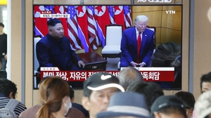The public watches on as the two leaders hold their third meeting