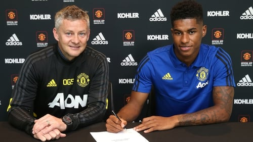 Marcus Rashford signs Manchester United contract extension until 2023