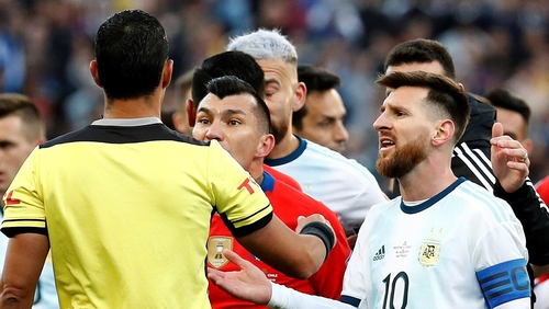 Messi wasn't impressed with the red-card decision