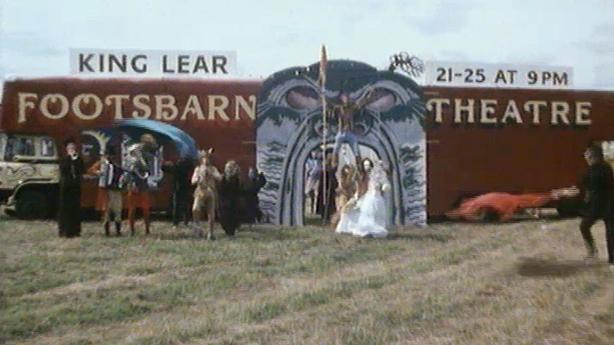 Footsbarn Travelling Theatre Company (1984)