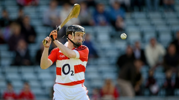 Cusack says that hurling should follow tennis and change the colour of the ball