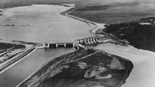 An aerial view of Parteen weir. Photo:used with kind permission ofESB Archives https://esbarchives.ie