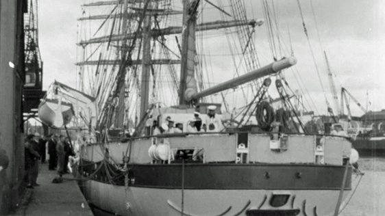 The West German naval training tall ship 'Gorck Fock' is docked at Sir Rogerson's Quay while on a visit to Dublin. 1964